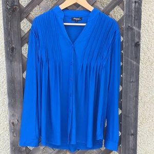 Papa Vancouver beautiful blue top, front pleating